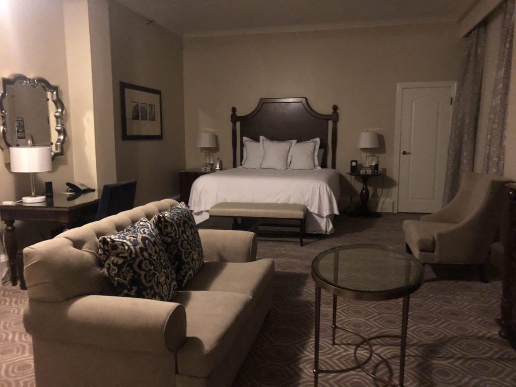 Deluxe King Mini Suite